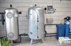 Geschlossenes Kiesfiltersystem zur Wasserenthärtung